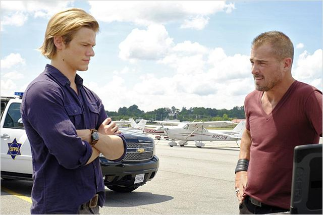 Photo George Eads, Lucas Till
