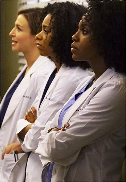 Photo Caterina Scorsone, Jerrika Hinton, Kelly McCreary