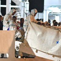 Italie: les 450 migrants ont tous débarqué