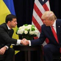 Une blague!: Trump balaie la procédure démocrate pour le destituer