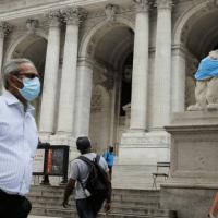 Coronavirus: Record mondial de nouveaux cas quotidiens aux USA