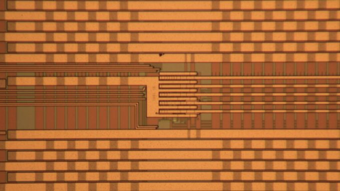 Reconfigurable chaotic integrated circuit. Credit: Behnam Kia