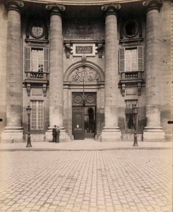Faculté de Droit, Place du Panthéon, 1903, albumen silver print
