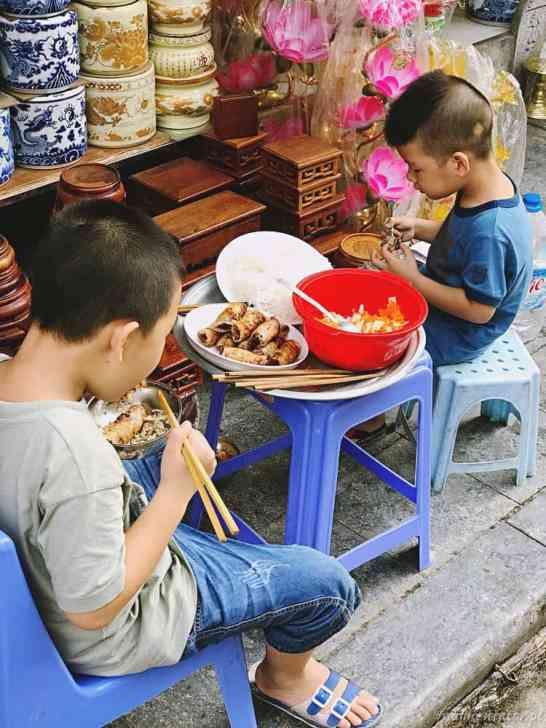 Wietnam jedzenie na ulicach Hanoi 036