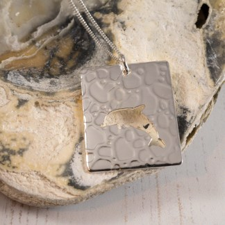 2017-01-21 Seahorse and Dolphin Pendant 017