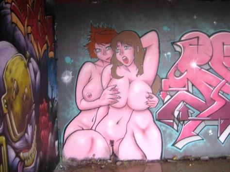 besancon 10.12.12 sexy girls - graffiti - arènes (4)
