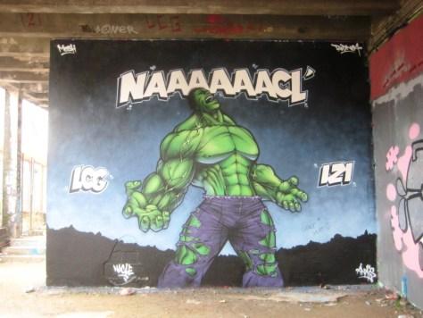 besancon - graffiti - mars 2013 - Nacle - hulk