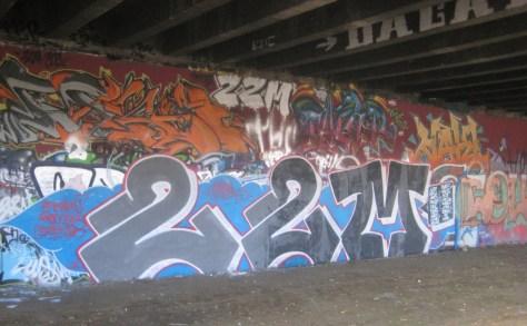 dec 2012 - graffiti 22M - besancon