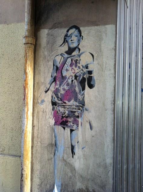 Marseille_collage_femme_sebr (3)