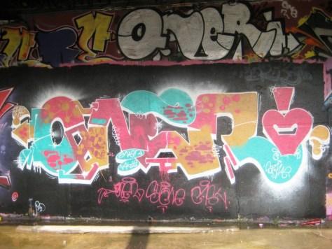 mai 2013 _oner_graffiti_besancon_arènes