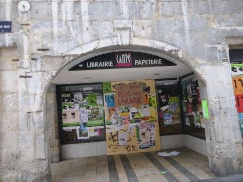 ceci n'est plus une librairie_besancon_affiche_camponovo_sept2013 (1)
