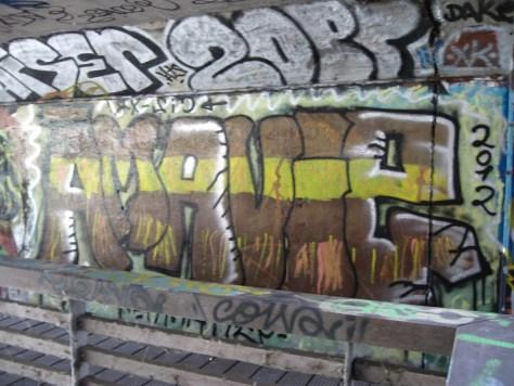 A ma vie, graffiti Rennes Aout 2012
