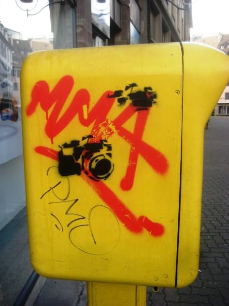 strasbourg 02.03.14 boite aux lettre - tag - sticker - pochoir (1)