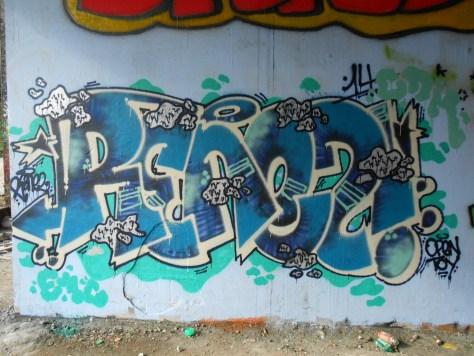 besancon - juin.2014 - SKRO, RENEZ - graffiti (2)