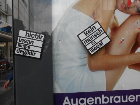 personne n'est clandestin - sticker - wuppertal, DE Sept.2015 (1)