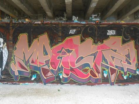 soya, maestro - graffiti - besancon 2016 (3)