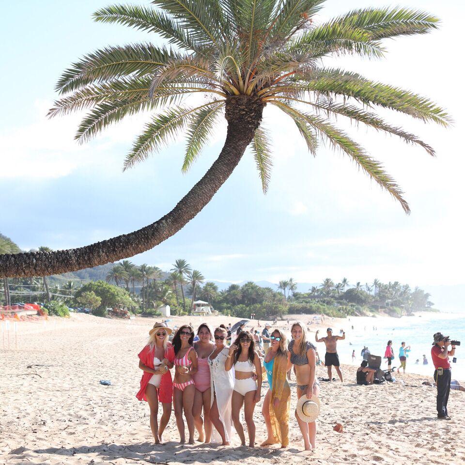 Jillian Harris' team on the beaches of O'ahu