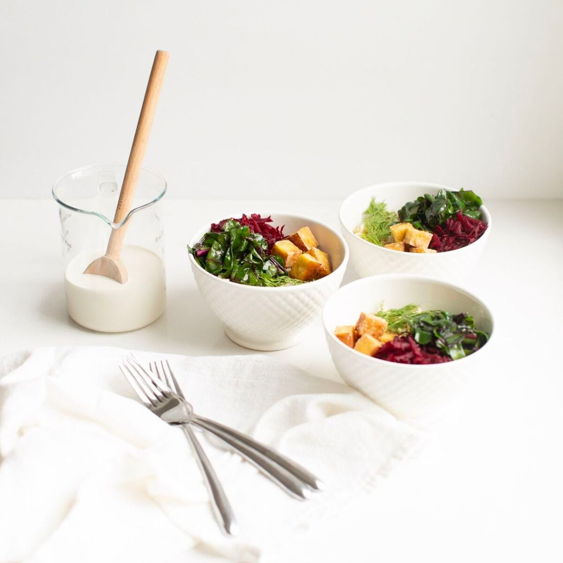 Baba Bowl: a healthy spin on Ukrainian cooking that harnesses all the flavours of Ukrainian cooking in a healthy vegan and gluten free beet and tofu rice bowl.