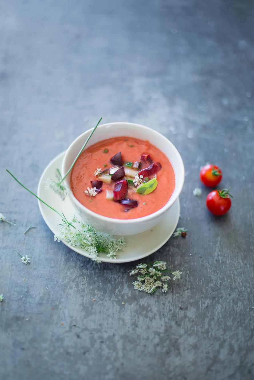 Gaspacho de tomates aux cerises noires ©Fraise & Basilic