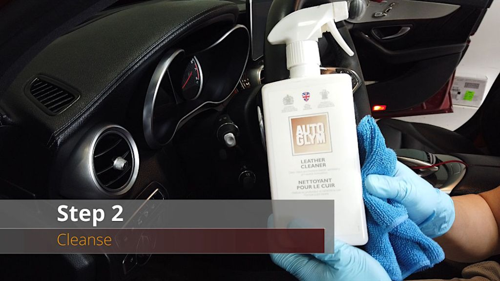 Cleaning Alcantara/Dinamica Step 2 - Cleanse