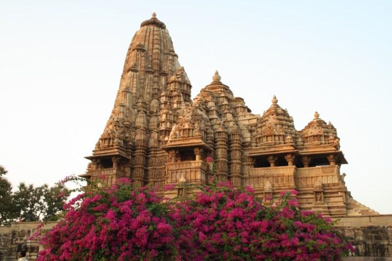 17149165-kandariya_mahadev_temple_at_khajuraho-1473411227-1000-68ddd22afb-1473426923