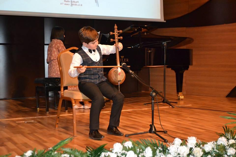Gənc kamança ifaçılarının II respublika müsabiqəsinin yekun konserti olub