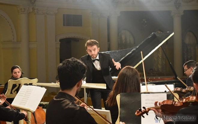 Dirijorlar arasında beynəlxalq müsabiqənin laureatı, həmyerlimiz Orxan Həşimovun rəhbərliyi ilə konsert keçiriləcək