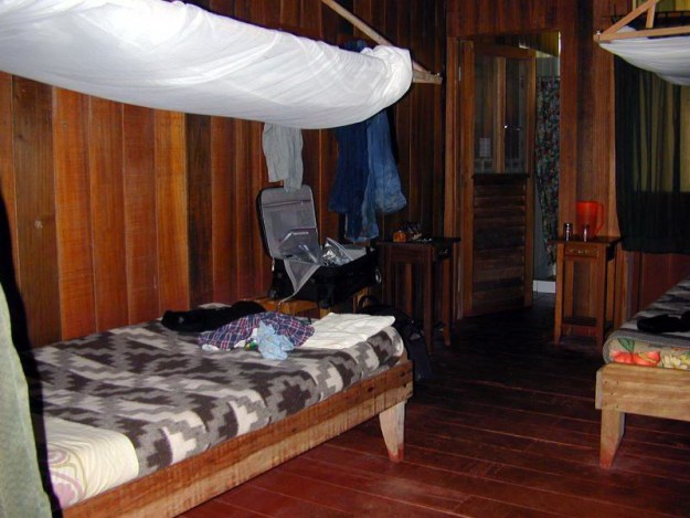 cabin, sandoval lake lodge, peru