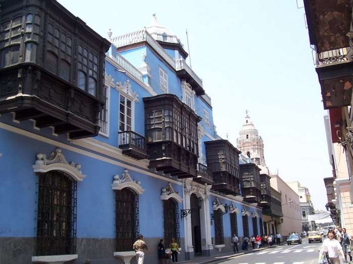 Blue building with Balconies in Lima