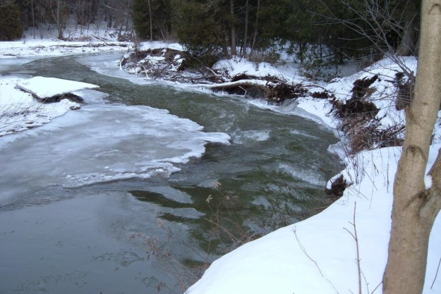 Green River - heavy current - Pickering - Ontario