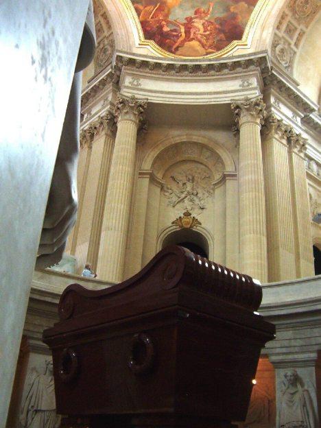 Hotel des Invalides - Tomb of Napoleon - arches - Paris - France