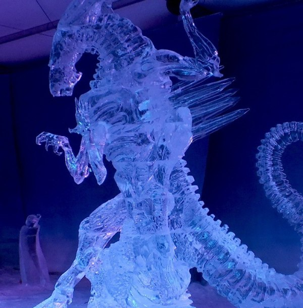 Alien Queen - Japan & Canada - Winterlude - Ottawa