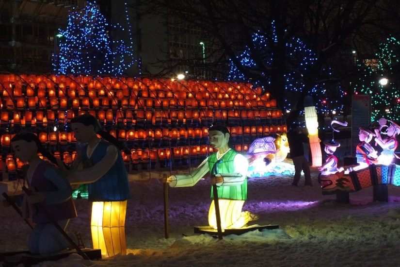 Child-dolls ride wooden sleds - Winterlude - Ottawa