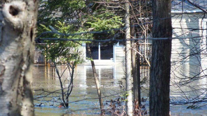 Big East River flood zone - -- Huntsville, Ontario - April 21 2013