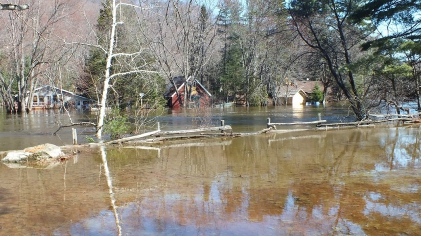 Big East River flood zone - flooded river and homes - April 21 2013