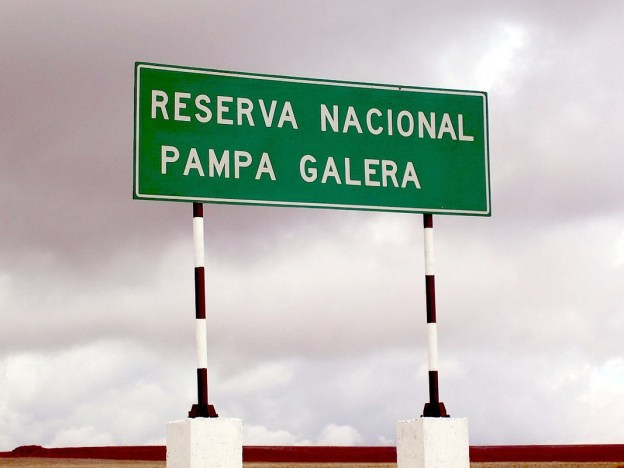 Road side sign for Reserva Nacional Pampa Galera, Peru