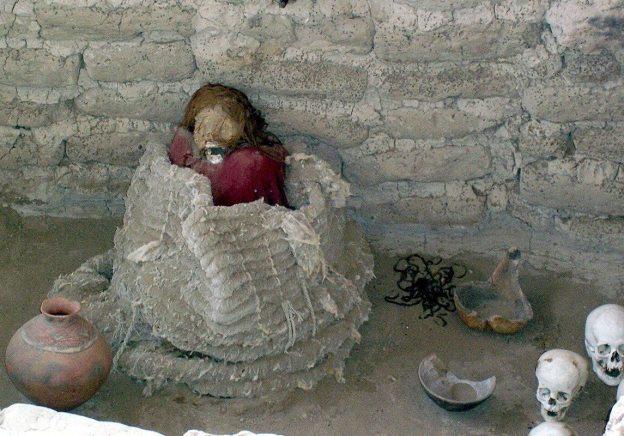 mummified human body - chauchilla cemetery - peru