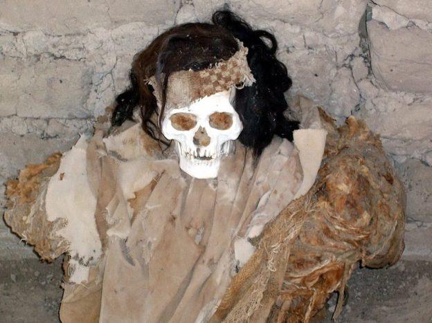 Human skull at the Chauhilla Cemetery near Nazca in Peru, South America.