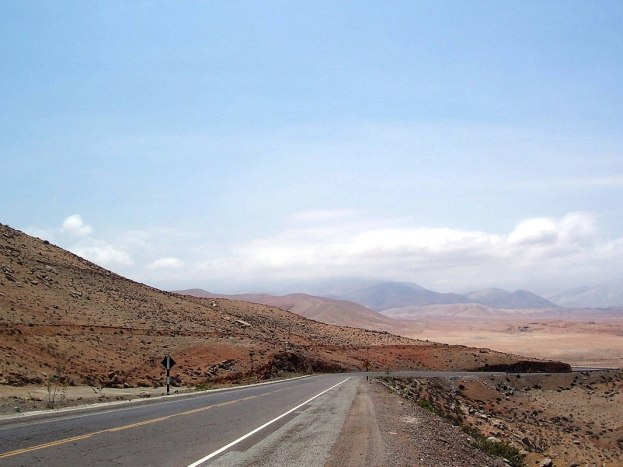 pan american highway - near arequipa - peru - frame to frame