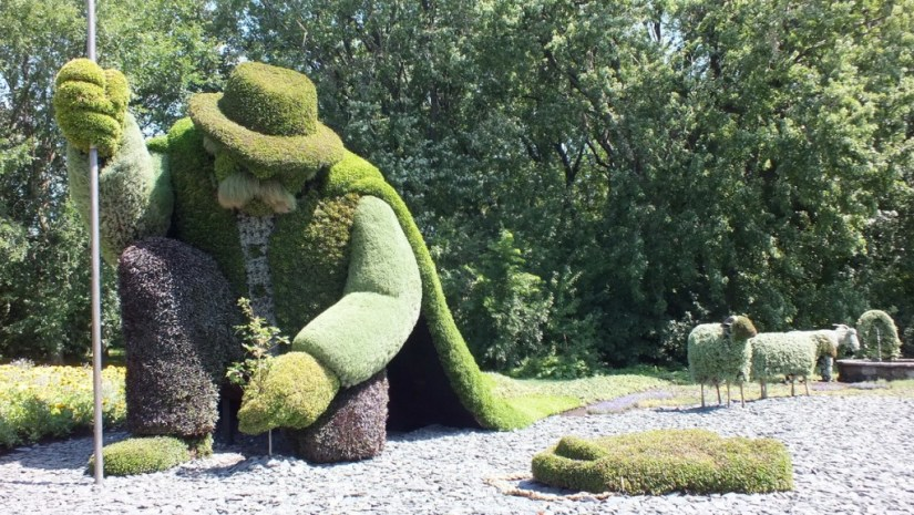The Man Who Planted Trees (front view) - Mosaiculture - Montreal Botancial Gardens
