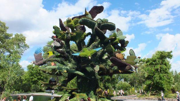 Tree of Birds - Mosaiculture - Montreal Botancial Gardens