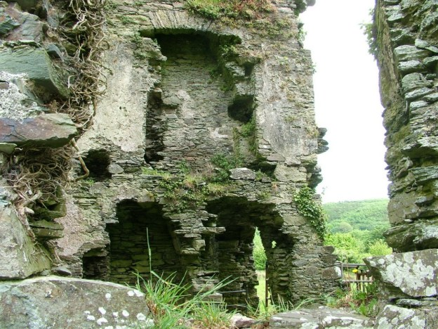 Coppinger's Court ruins, former fireplace upon wall, county cork, Ireland