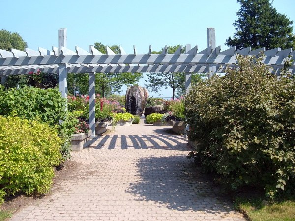 Rosetta McClain Gardens - fountain and large rock - Toronto