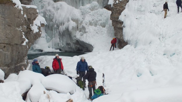 ice climbing in johnston canyon - banff 12