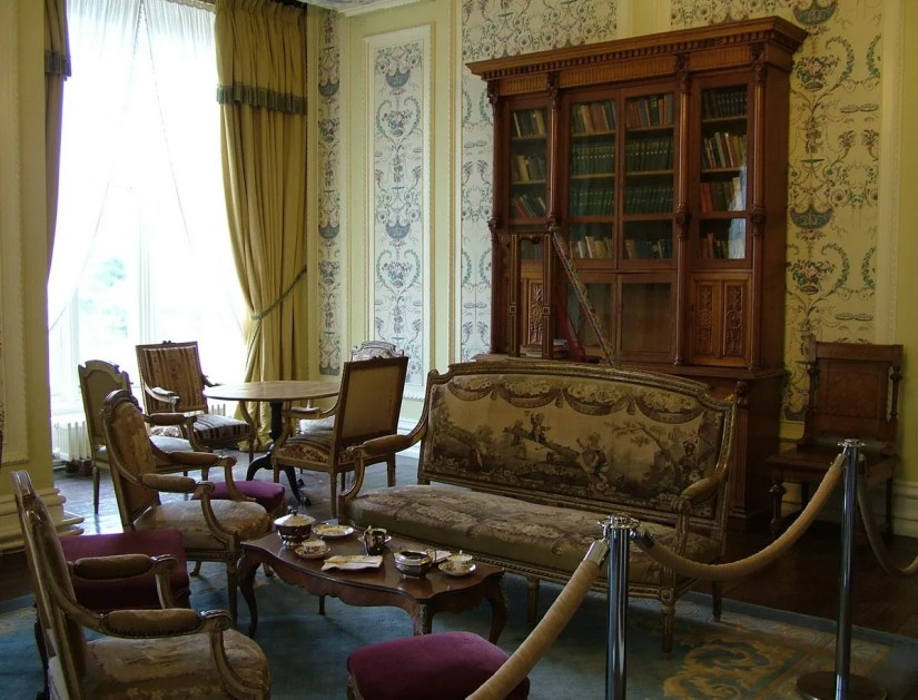 An image of the sitting room in Kylemore Abbey in Connemara, County Galway, Ireland. Photography by Frame To Frame - Bob and Jean.