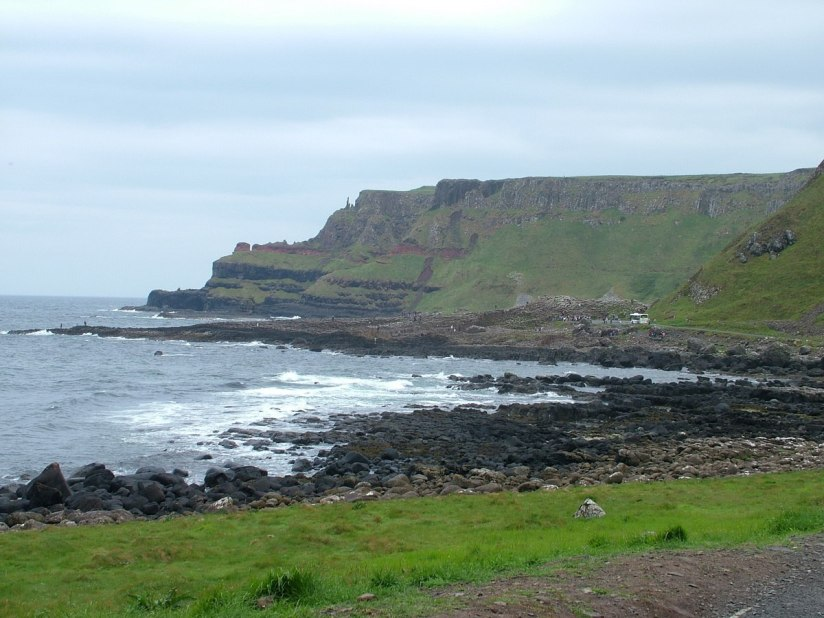 An image of the Atlantic Ocean shoreline at Giant's Causeway in Northern Ireland. Photography by Frame To Frame - Bob and Jean.