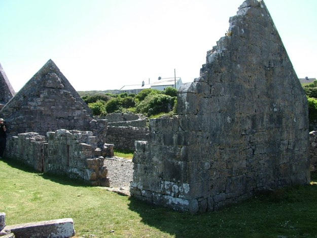 the seven churches ruins, inishmore island, ireland pic 2
