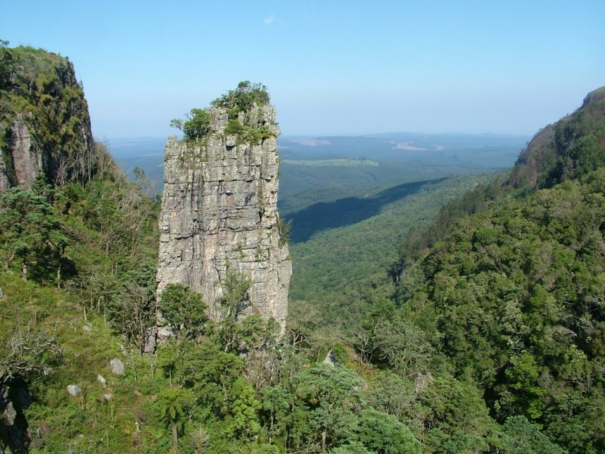 photograph of Pinnacle Rock at Graskop, Mpumalanga, South Africa