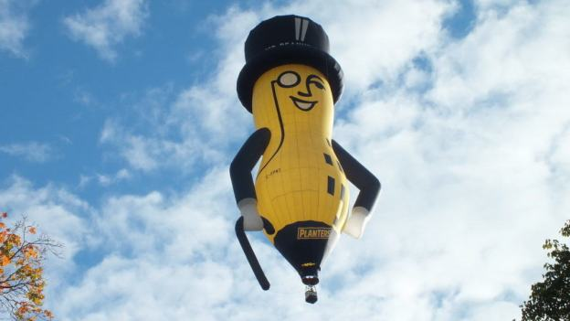 mr peanut hot air balloon in toronto, ontario