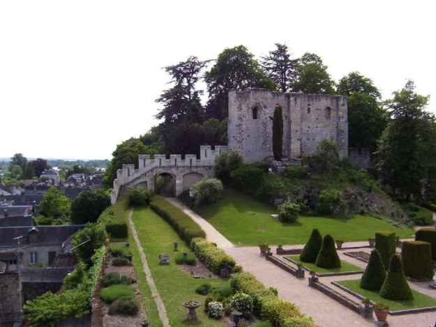 An image of the garden at Chateau de Langeasis in the Loire Valley in France.